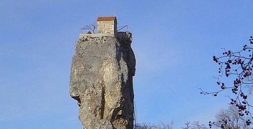 maison-sur-le-roc